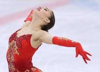 女子シングルで優勝したザギトワのフリーの演技=江陵アイスアリーナで2018年2月23日、佐々木順一撮影