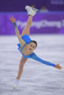 Japan's Satoko Miyahara performs during the women's figure skating free program during the 2018 Pyeongchang Winter Olympics at the Gangneung Ice Arena in Gangneung, South Korea, on Feb. 23, 2018. (Mainichi)