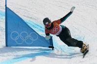 【平昌五輪】準々決勝を滑る竹内智香。この滑りで同走選手に敗れて敗退した=フェニックス・スノーパークで2018年2月24日、手塚耕一郎撮影