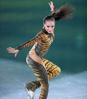 【平昌五輪】エキシビションで演技するOARのアリーナ・ザギトワ=江陵アイスアリーナで2018年2月25日、手塚耕一郎撮影