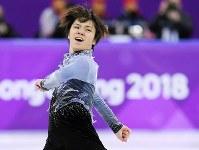 【銀メダル5個目】フィギュアスケート・宇野昌磨。躍動感あふれる演技をみせた=江陵アイスアリーナで2018年2月16日、手塚耕一郎撮影