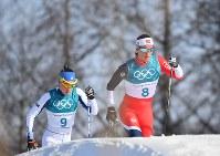 【平昌五輪】スキー女子距離30キロクラシカルで優勝したマリット・ビョルゲン(右)=アルペンシア距離センターで2018年2月25日、宮間俊樹撮影