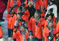 閉会式に入場する羽生結弦(左端)=平昌五輪スタジアムで2018年2月25日、宮間俊樹撮影