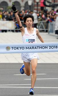 日本新記録で2位になった設楽悠太=東京都千代田区で2018年2月25日、渡部直樹撮影