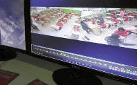 教室を常時監視するカメラ映像が並ぶ「監視室」のモニター画面。休み時間や放課後も撮影している=中国山西省で2018年1月、河津啓介撮影