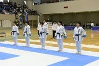 女子団体組手優勝の御殿場西高校チーム=2017年3月