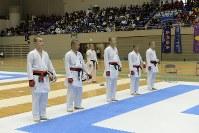 男子団体組手準優勝の日本航空高校チーム=2017年3月