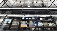 旧歴史館をリニューアルした「ものづくりイズム館」の「収蔵庫」で展示される家電=大阪府門真市で2018年3月6日、小関勉撮影
