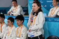 記者会見で質問に答える阿部友里香選手=韓国・平昌で2018年3月8日、宮武祐希撮影