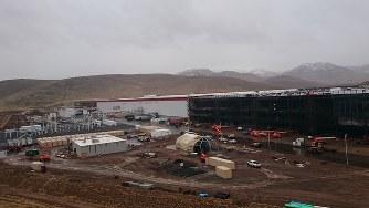 パナソニックが米テスラと建設している電池工場「ギガファクトリー」 =米ネバダ州で2017年1月4日、土屋渓撮影