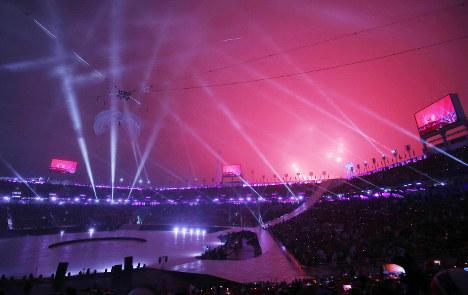ライトで彩られる平昌パラリンピックの開会式=平昌五輪スタジアムで2018年3月9日午後7時59分、宮武祐希撮影