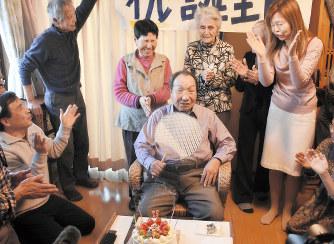袴田巌さん:82歳の誕生日祝う ...