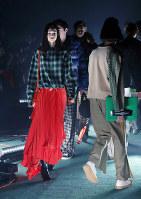 ファッション・ウィーク東京の開幕を飾った「フライノック」のショー=東京都渋谷区で2018年3月19日午前11時21分、小川昌宏撮影