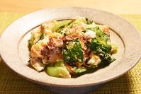 食卓の一品えりすぐり「豆腐とチンゲンサイのタラコ炒め」=東京都港区で2018年3月1日、加藤隆寛撮影