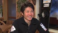 インタビューに応じる成田緑夢