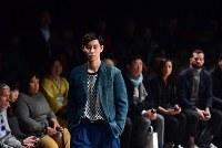 【ファッション・ウィーク東京】100年以上前の生地を職人が手作業で仕立てた服などを発表している「KUON クオン」=東京都渋谷区の渋谷ヒカリエで2018年3月24日午前10時55分、竹内紀臣撮影