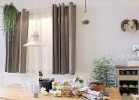欧州発で流行しているリネンのカーテン。自然な風合いがナチュラルなインテリアに合う