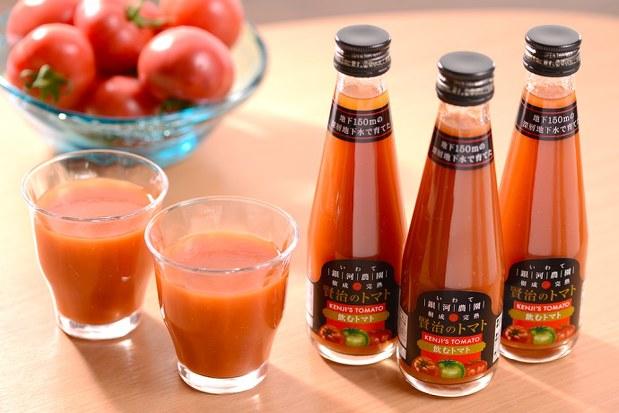 水も塩も添加物も一切加えないトマト100%のジュース「飲むトマト」=銀河農園提供