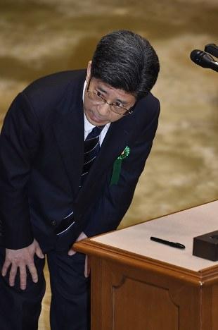 証人喚問:佐川氏「安倍首相や昭...