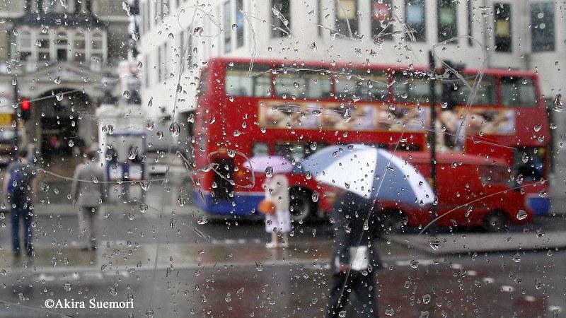 雨の日のロンドン