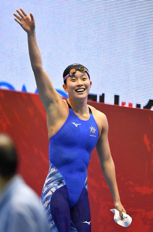 競泳:男子200平泳ぎ、小関が優...