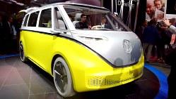 フォルクスワーゲン(VW)の電気自動車のコンセプト車=米デトロイトで2017年1月9日、清水憲司撮影