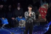 アイスショーであいさつをする羽生結弦選手=東京都調布市の武蔵野の森総合スポーツプラザで2018年4月13日午後6時7分、西本勝撮影