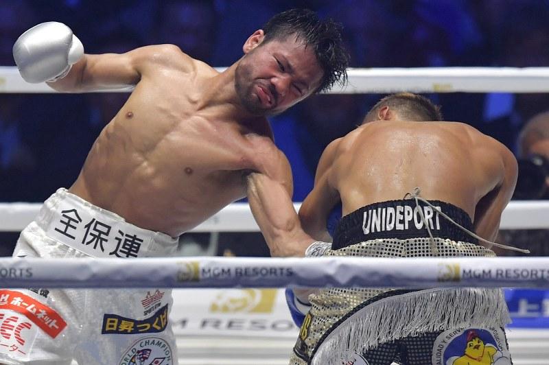 ボクシング:比嘉TKO負け 王座剥...