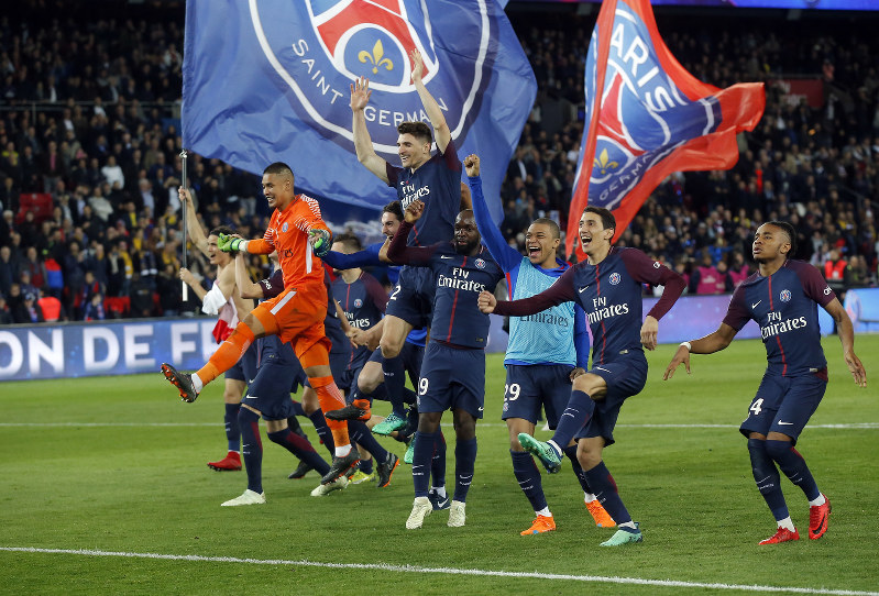 Soccer: PSG wins title after crushing defending champion ...