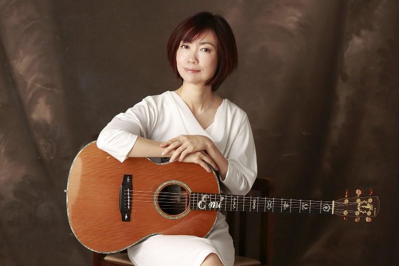 「ル・クプル」活動休止後、ソロ活動を続ける藤田恵美さん(アワーソングス提供)