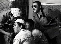 俳優の若山富三郎(右端)=1973年ごろ