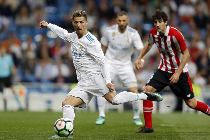 Soccer: Ronaldo scores with backheel flick, saves Madrid from loss - The  Mainichi