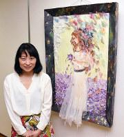イタリア在住の土佐和紙ちぎり絵アーティスト、横山明子さん=高知県いの町の紙の博物館で、郡悠介撮影