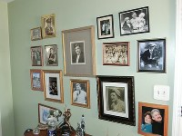 Photos of Major League Baseball legend Babe Ruth are on display at his granddaughter Linda Ruth Tosetti's home in Durham, Connecticut, on April 22, 2018. (Mainichi)