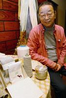 「KUZUWASHI」を開発した福田保夫さん=奈良県大和高田市曽大根で、稲生陽撮影