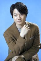 NHKのドラマ「やけに弁の立つ弁護士が学校でほえる」に出演する神木隆之介さん=東京都渋谷区のNHK放送センターで2018年4月10日、丸山博撮影