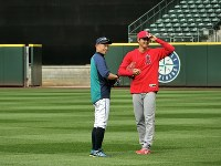 Los Angeles Angels' Shohei Ohtani, right, and veteran outfielder Ichiro Suzuki are seen together at Safeco Field in Seattle, on May 4, 2018. (Mainichi)