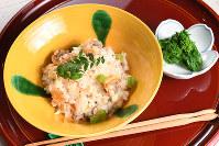 春のアサリご飯(左)と菜の花のおひたし=大西岳彦撮影