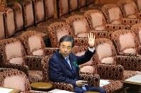 参院予算委員会に参考人招致で出席した、柳瀬唯夫元首相秘書官(現経済産業審議官)=国会内で2018年5月10日午後1時36分、宮武祐希撮影
