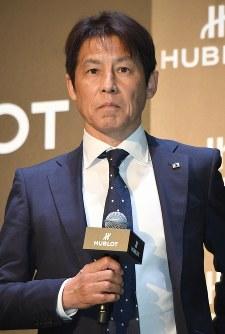 時計メーカーイベントに登場し、抱負を語るサッカー日本代表の西野朗監督=東京都渋谷区で2018年5月16日午後1時59分、藤井太郎撮影