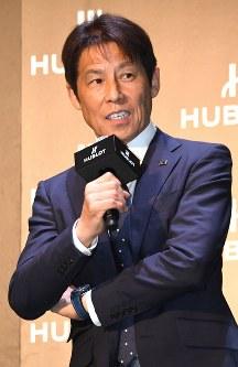 時計メーカーイベントに登場し、抱負を語るサッカー日本代表の西野朗監督=東京都渋谷区で2018年5月16日午後2時、藤井太郎撮影