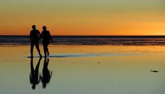 ボリビア・ウユニ塩湖の夕暮れ=2017年9月、平川哲也撮影