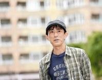 「社会で主流となっている生き方からこぼれちゃって、つらい思いをしている人が楽になればいいなあ」=東京都国分寺市で、藤井太郎撮影
