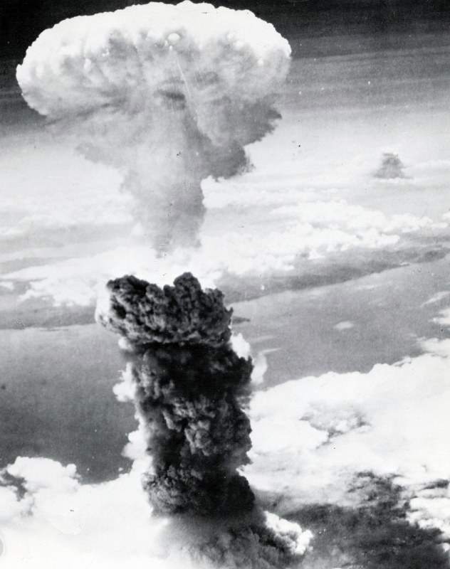 長崎きのこ雲の背後に黒煙 各地で空襲アクセスランキング編集部のオススメ記事
