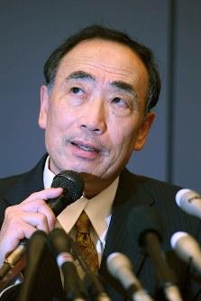 保釈され、記者会見する籠池泰典被告=大阪市北区で2018年5月25日午後8時2分、山田尚弘撮影