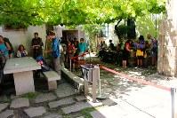 サンティアゴ・デ・コンポステーラに到着。巡礼証明書を発行してもらうために並ぶ