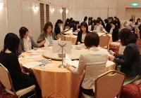 4月に新潟県長岡市内のホテルであった長岡大手の新入生の保護者総会=同校保護者会提供