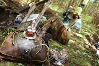 現場に散乱していた電化製品の廃棄物