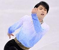 【平昌五輪】男子SPで演技する羽生結弦=江陵アイスアリーナで2018年2月16日、宮間俊樹撮影
