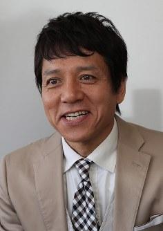 日本のサッカーについて語る勝村政信さん=東京都品川区で2018年5月、小座野容斉撮影